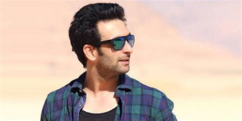 Biography Nandish Sandhu | nandish sandhu biography wiki age height marriage photos