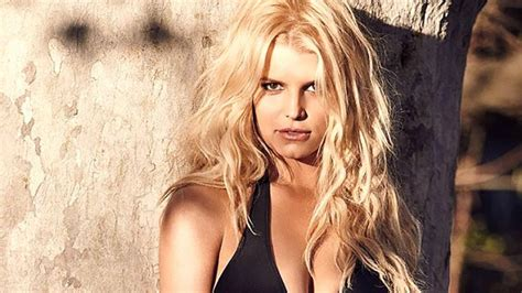 jessica simpson brings the heat on family vacation see jessica simpson posts alluring swimsuit snap aol