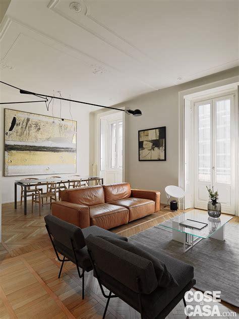 nell armadio stunning nel living il divano a tre posti in pelle di
