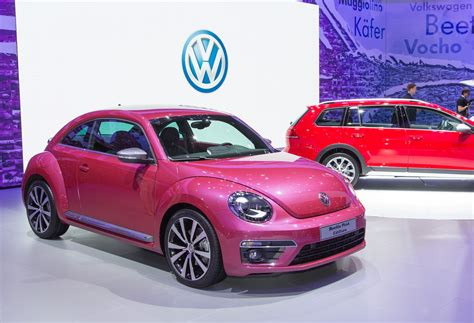 pink volkswagen beetle volkswagen beetle pink color edition concept revealed