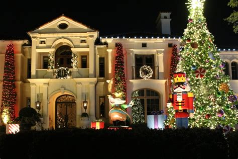 Where to See the Best Outdoor Christmas Light Displays in Dallas   Dallas, Fort Worth, DFW