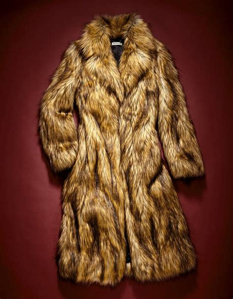 Not All Fur Real Or Faux Need Be Removed At The Door With A Plush Fox Vest Balmain Shows How To Bring Fur Indoors For Day Fashiontribes Fashion by Authentically Chic Faux Fur S Fashion Moment Wsj