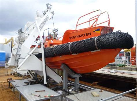types of rescue boats a frame davit single point davits for rescue boats