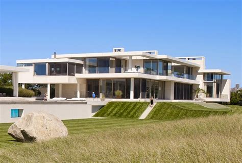 modern mansions modern mansion in southton by sawyer and berson