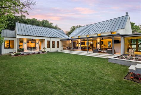 Farmhouse Modern by Estate Like Modern Farmhouse In Texas Idesignarch