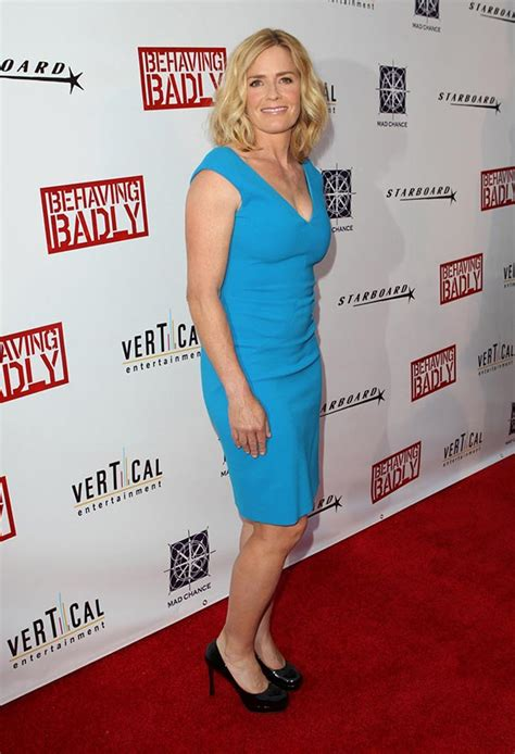 elisabeth shue old elisabeth shue 53 years old actress still seems young