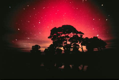 photos the aurora australis can be seen from just south