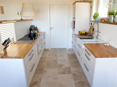 Wandfliesen Küche Kaufen by Welche Farbe Passt Kissen Passt Zu Graue Sofa