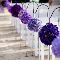 Use Pomander Balls In The Same Color But Different Flowers Ready Made Wedding Centerpieces
