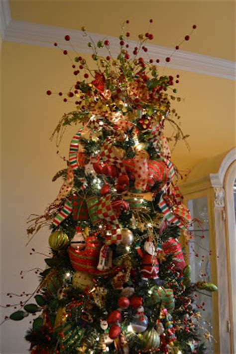 how to decorate with wide ribbon on xmas trees kristen s creations decorating a tree with mesh ribbon tutorial