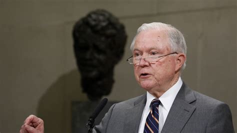 jeff sessions chicago police sessions to expand resources for chicago police department