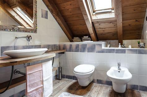 bagno mansarda come ricavare bagno in mansarda normativa requisiti e