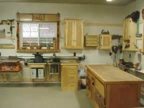 how to build a practical and small woodworking shop