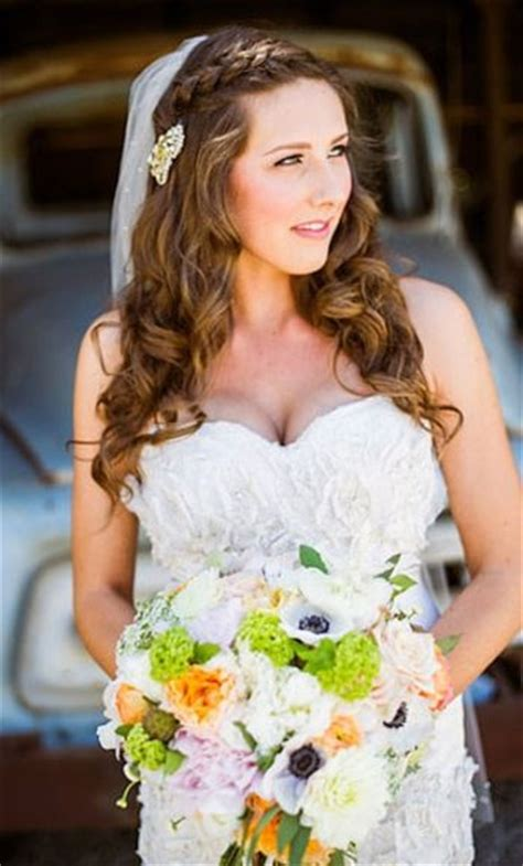 Wedding Hairstyles Half Up Half With Veil by 37 Half Up Half Wedding Hairstyles Anyone Would