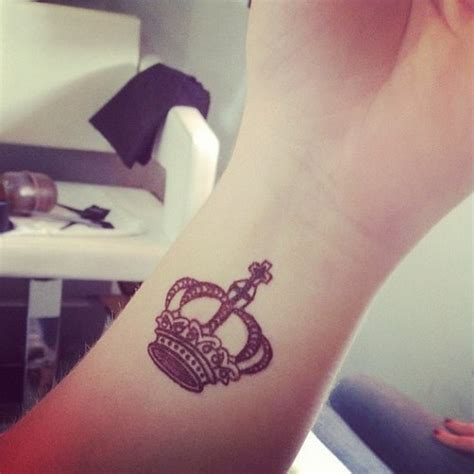cute arm quotes tattoo tattoomagz small cute king style tattoo on arm tattoomagz