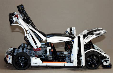 lego koenigsegg one 1 brickshelf gallery koenigsegg one 1 right open jpg