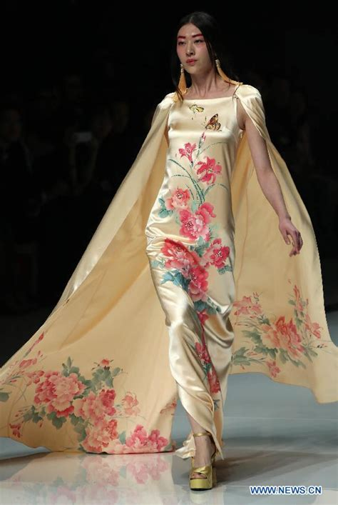 design clothes from china review opening show of china fashion week people s daily