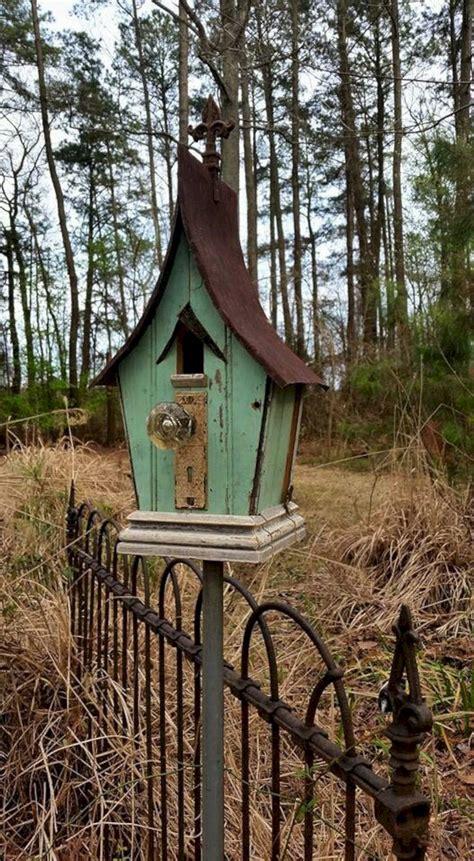 popular birdhouses rustic   garden  decoredo