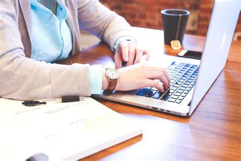 Una Mba Admissions by Imagen Gratis Empresaria Mujer Computadora Port 225 Til