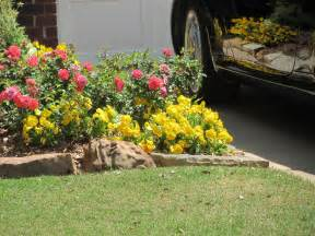 flower beds with rocks bee home plan