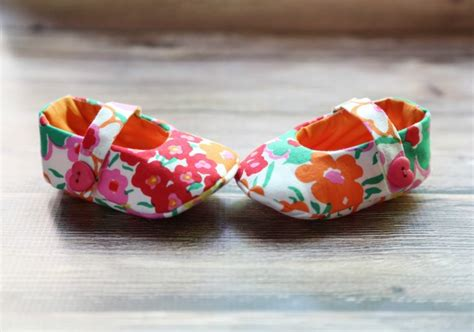Diy Crib Shoes by Craftionary