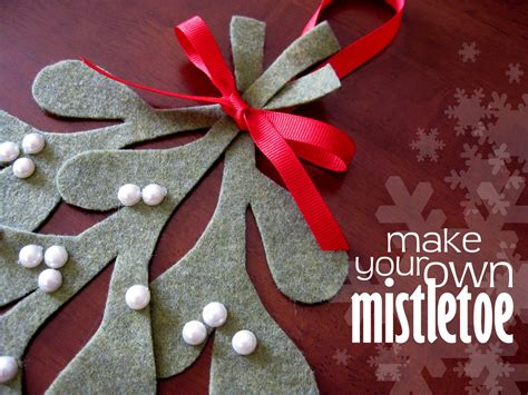 Origami Mistletoe - stayathomeartist make your own mistletoe tutorial