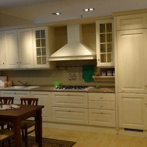 cucina scavolini baltimora prezzo scavolini baltimora legno cucine a prezzi scontati