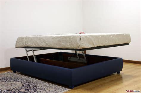 ladario legno letto matrimoniale con testata a quadri in pelle cuciti