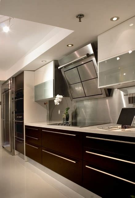 modern bathrooms  kitchens