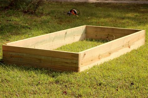 Cheap Raised Planters by Build Cheap Raised Garden Beds Inexpensive Raised Beds