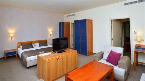 hotel chambre familiale tours h 244 tel 224 l entr 233 e du parc de plitvice pour votre s 233 jour
