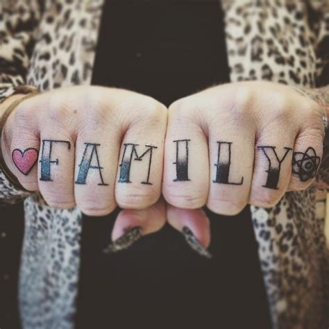 25 girly knuckle tattoos