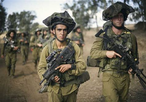 Idf Soldier a story of persistence how a catholic became an