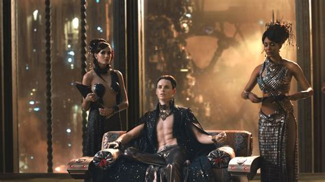 guide to geekdom let s review jupiter ascending jupiter ascending review