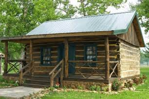 building a log cabin home 9 perfect log cabin homes that were built for less than 15 000 log cabin hub