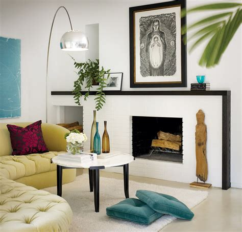 Living Room Mantel Decor by Bright White Fireplace Living Room