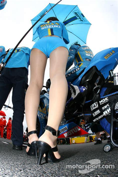 A charming Rizla  Suzuki girl at Japanese GP