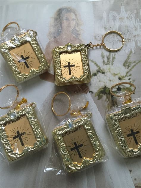 Bible Wedding Favours by 12 Recuerdos Holy Bible Key Chain Baptism Favors Communion