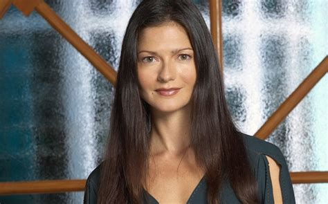 actress who played claire kincaid canadian actress jill hennessy plays matriarch of weirdly