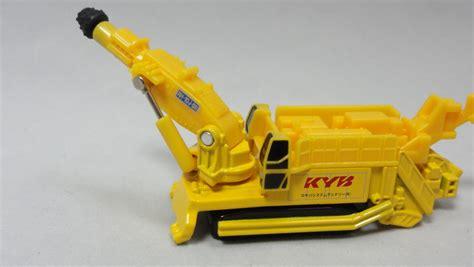 Tomica 132 Kayaba System Machinery Boonheader Rh 10j Ss 2009 5 トミカ ロング no 132 カヤバ システム マシナリー ブームヘッダー rh 10j ss まつくログ トミカ分室