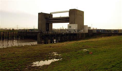 thames barrier extension downstream trailman