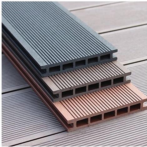 pavimenti pvc per esterni pavimento per esterni in wpc listoni