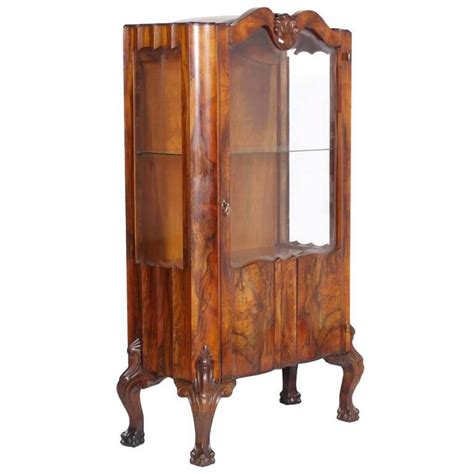 early 20th century chippendale walnut and burl walnut - Chippendale Vitrine