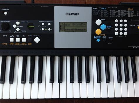 Keyboard Yamaha E223 yamaha psr e223 keyboard with 61 375 sounds