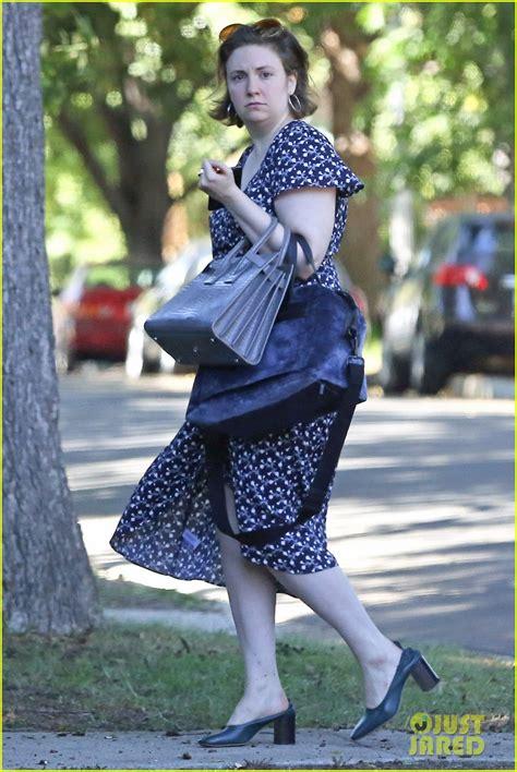 lena dunham running lena dunham dons floral print dress while running errands