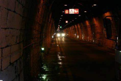 tunnel tenda chiusura tunnel di tenda chiuso stanotte e domani notte cuneodice it