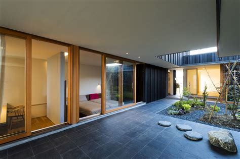 Narrow House Designs by 10 Stunning Structures With Gorgeous Inner Courtyards