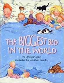 biggest bed in the world biggest bed in the world lindsay c 9780006646815