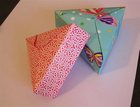 Origami Present Wrapping - origami constructions triangular origami box with lid
