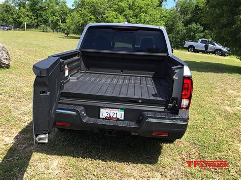 honda truck tailgate test drive 2017 honda ridgeline returns to the light duty